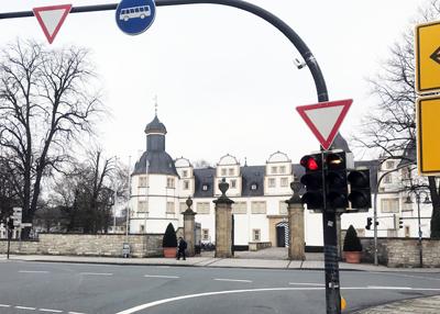 Mehr Informationen zu: Pilotprojekt Schlosskreuzung
